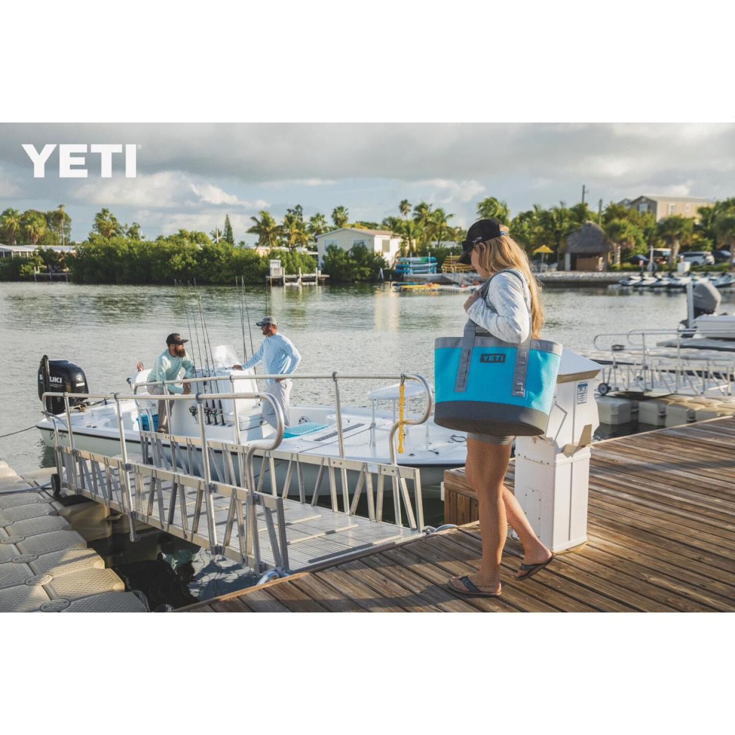 Yeti Camino Carryall 35 9.84 In. W. x 14.97 In. H. x 18.11 In. L. Reef Blue Tote Bag Image 5
